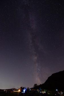 街の灯りが届かない漆黒の闇に包まれる「谷川岳」天神平で、星の鑑賞会が開催されます。『天の川を見たことがありますか?』